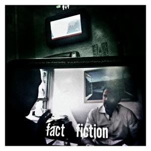 Pantalla con imágenes del documental The Greatest Movie Ever Sold de Morgan Spurlock durante un vuelo de la compañía Emirates entre Dubai y Londres, el 13 de agosto de 2011. Fotografía de Balazs Gardi.