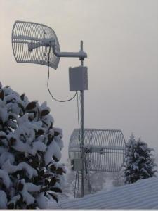 Antenas cubiertas de nieve. Fotografía de Guifi.net